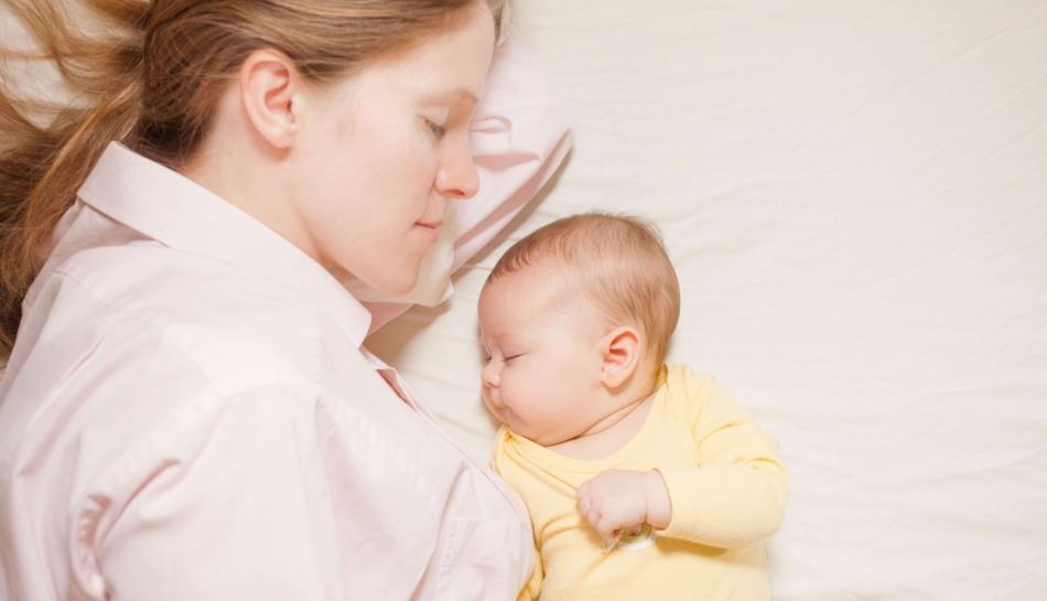 Sonno: dormire con il bambino nel lettone