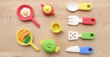 Utensili da cucina giocattolo