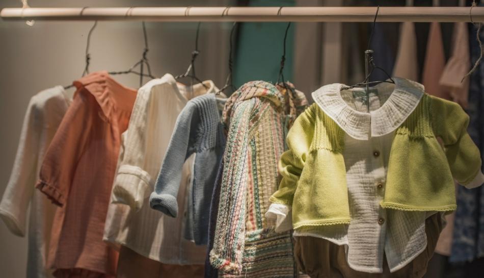 vestiti per bambini in negozio