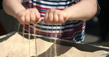 Immagine per l'articolo: Sand play therapy nell'età evolutiva