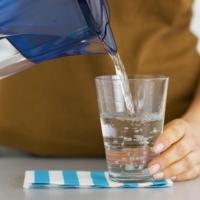 Le caraffe filtranti: possibili fonti di batteri