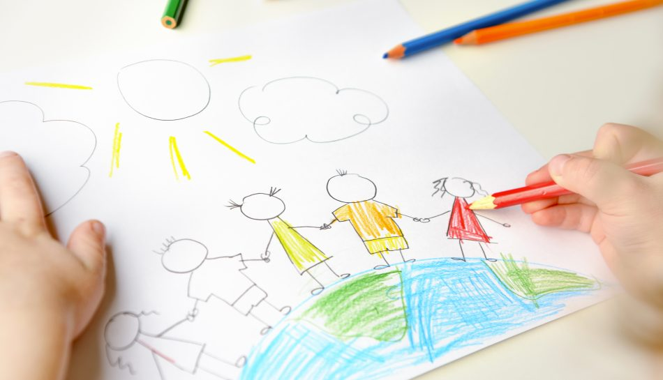 Primo piano del disegno di un bambino