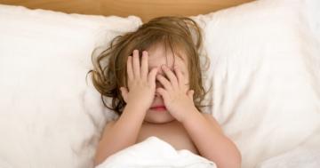 Bambino che non riesce a dormire