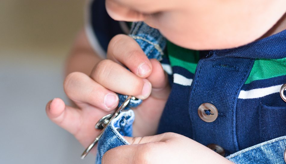 Insegniamo ai bambini a vestirsi da soli