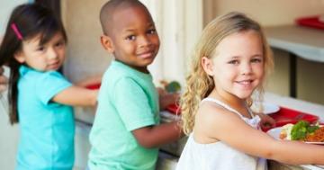 Immagine per l'articolo: Difendiamo il diritto alla mensa scolastica