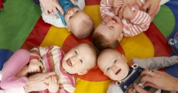 Immagine per l'articolo: Il playgroup: luogo d'incontro per genitori e bambini