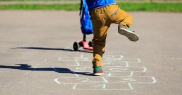 Immagine per l'articolo: Andiamo a giocare… in cortile