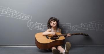 Immagine per l'articolo: L'educazione passa dalla musica e dall'ambiente. Parola di Maria Montessori