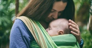 Fascia porta bebè per il babywearing